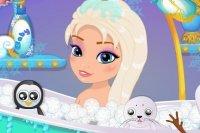 Dziecko Elsa w kąpieli